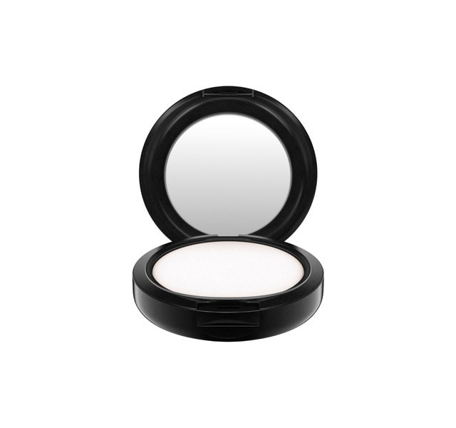 mac powder for managing oily skin on your face