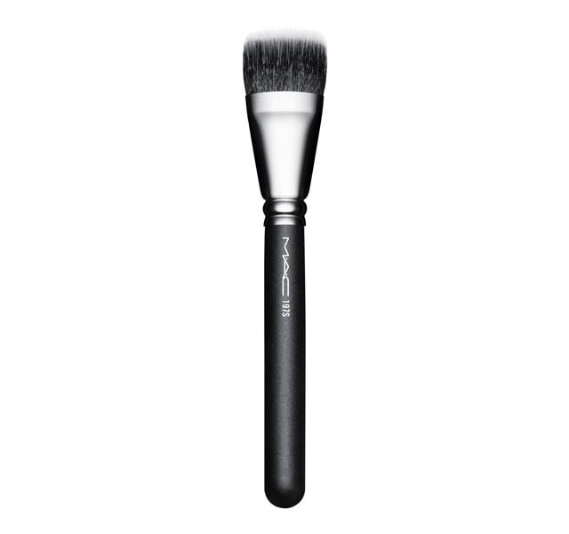197 Synthetic Duo Fibre Square Brush by Mac Cosmetics
