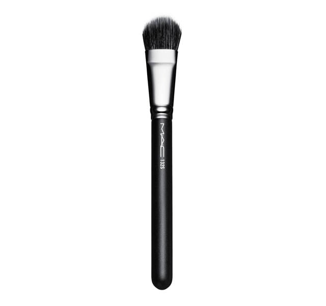 132 Synthetic Duo Fibre Foundation Brush by Mac Cosmetics