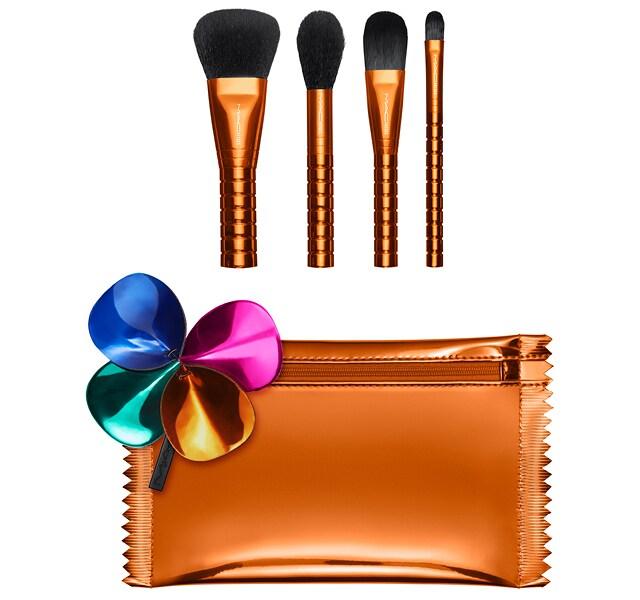 Face Brush Kit / Shiny Pretty Things by Mac Cosmetics